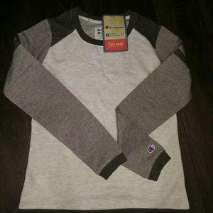 Champion Women Size CS Gray Crewneck Sweater